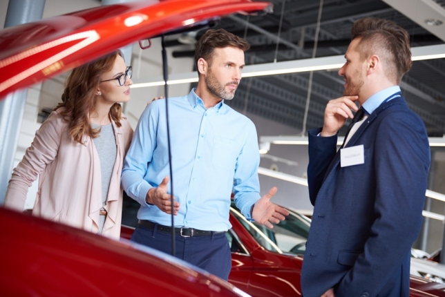6 Questions You Should Ask From A Car Dealer!